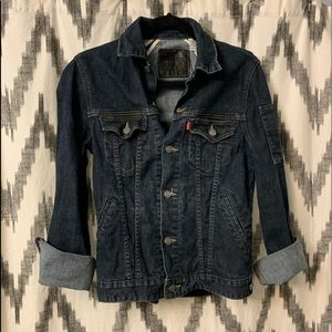 Levi Jean jacket. Small (stretchy)